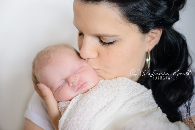 Neugeborenenfotos Heimerdingen, www.babyfotografin-stuttgart.de