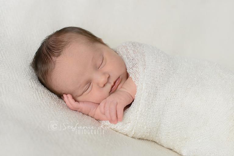Neugeborenenfotografie Eberdingen, www.babyfotografie-stuttgart.de