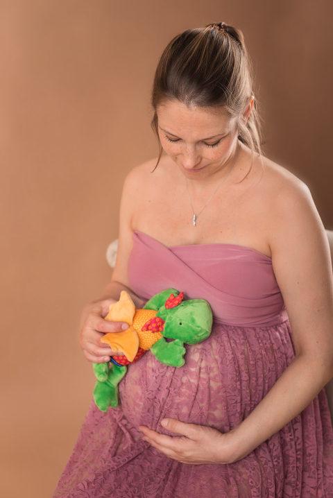 Kuscheltiere bei dem SChwangerschaftsfotosooting in Leonberg